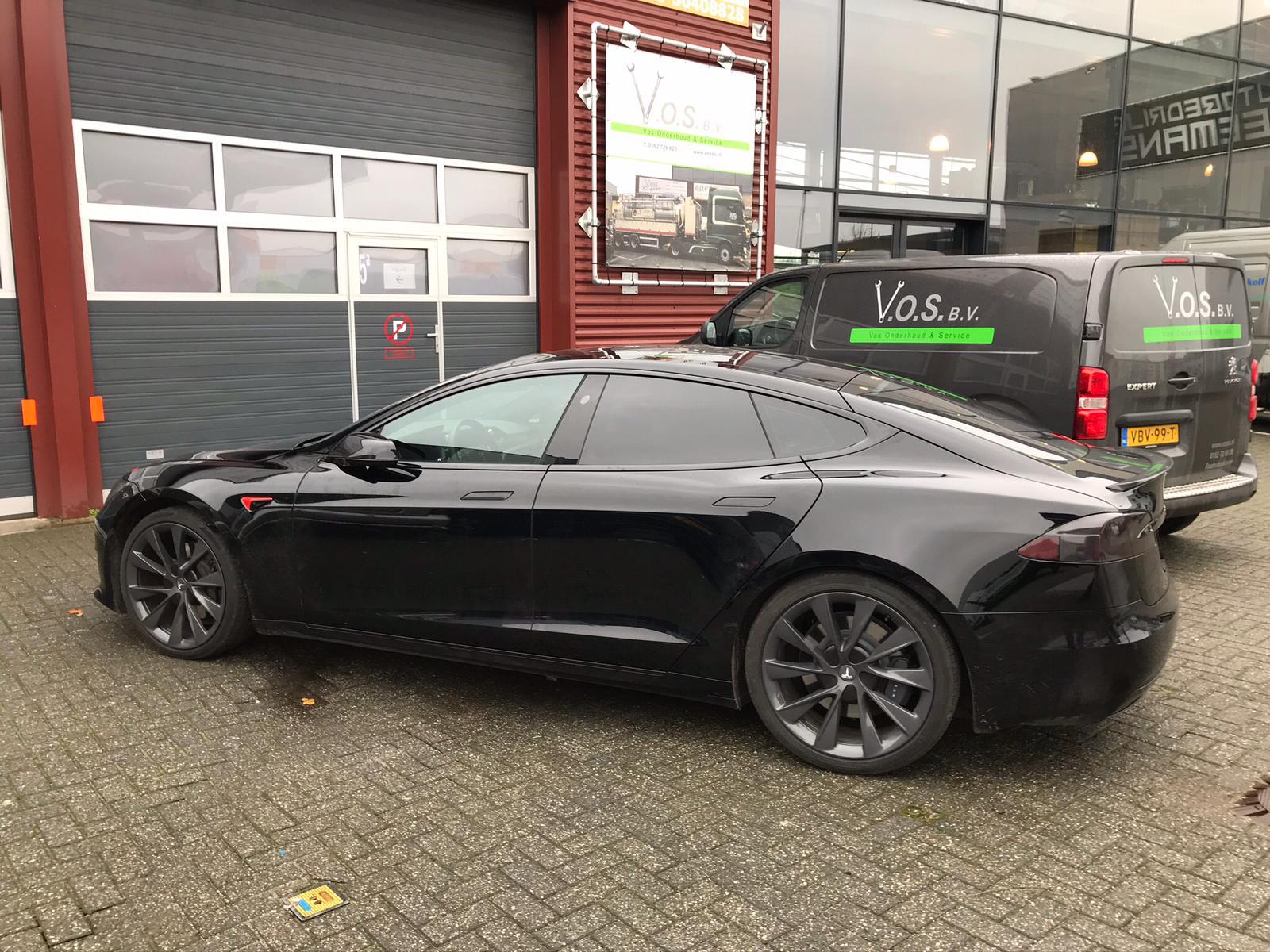 Tesla model S - Ramen tinten