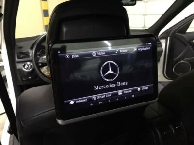 Mercedes Benz - Multimedia schermen + WiFi router